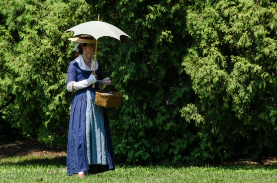 An 18-century patriot with her parasol at Mount Vernon