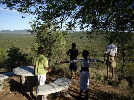 Kids looking over the Mokolodi Nature Reserve