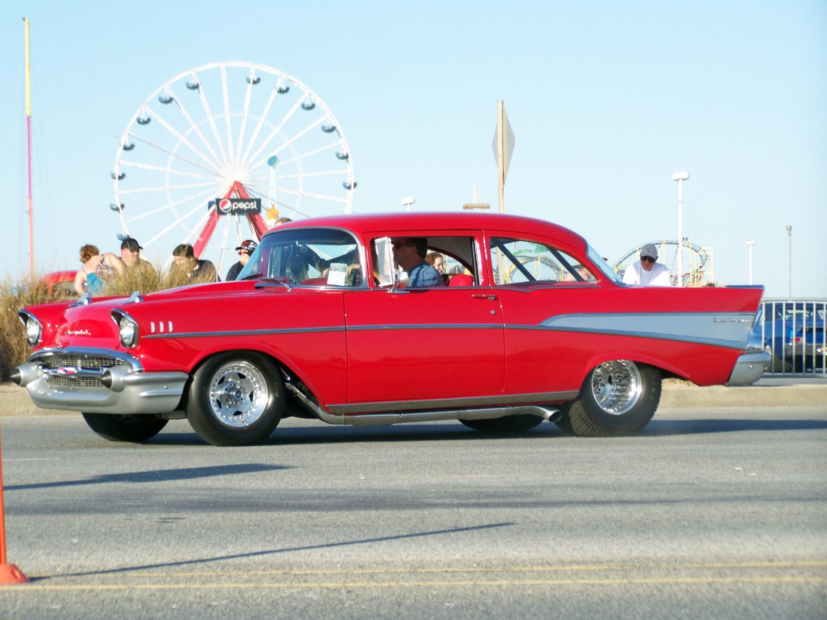 Ocean City boardwalk - classic cars
