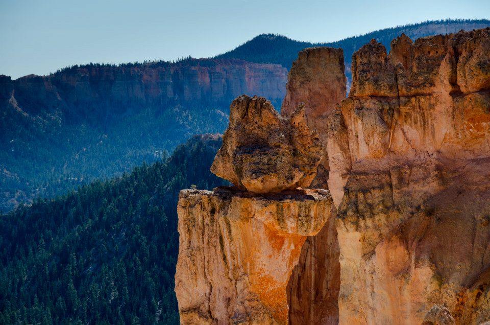 Bryce Canyon rocks - a precarious balance