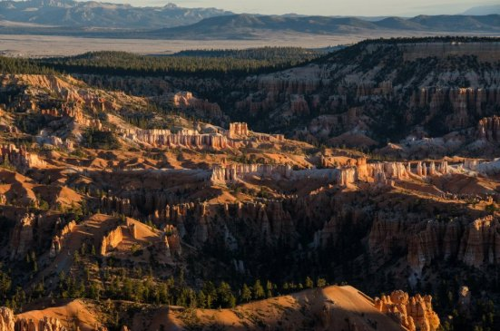 Bryce Point sunrise - hoodoos light up