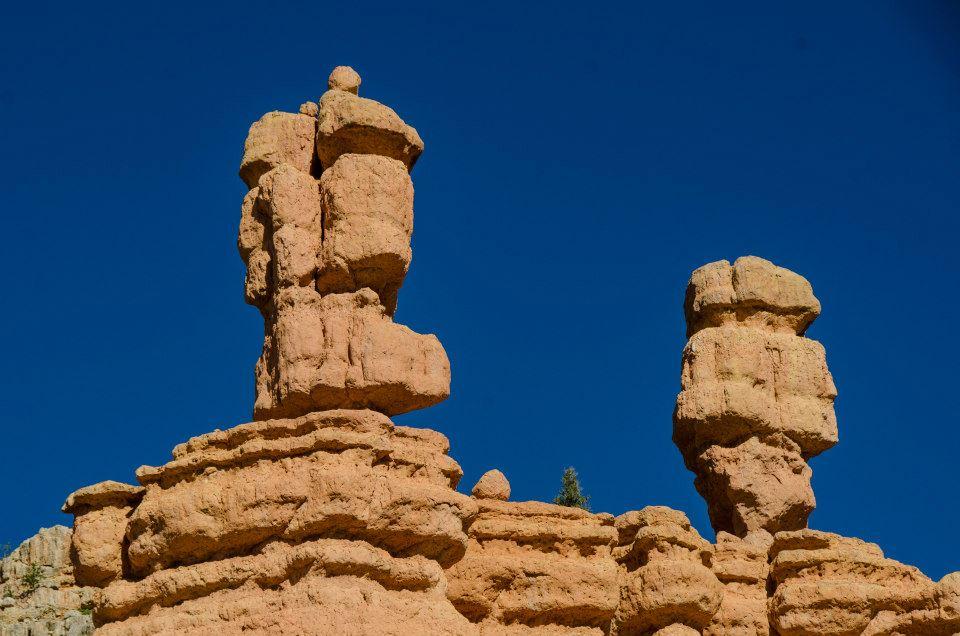 Sand-castle cliffs near Bryce Canyon