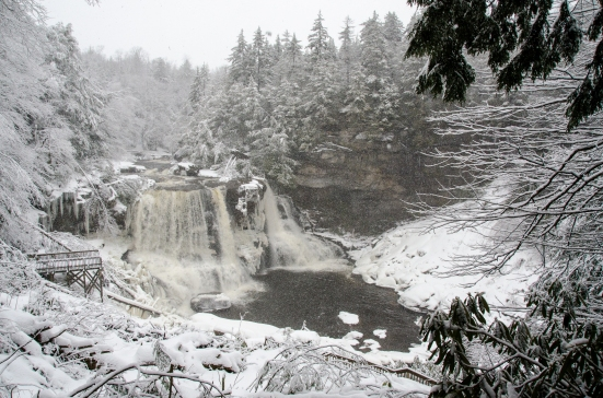 Blackwater Falls with the snow falling