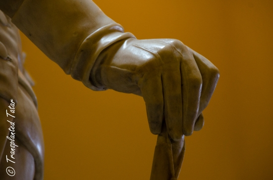Glove in George Washington's statue at Virginia Capitol